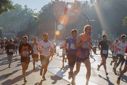 """Runners indignados a su paso por el Congreso: """"¡Chorizos, hijos de puta!"""""""
