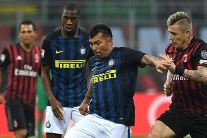 El Milan asalta el vestuario de un equipo de Primera División