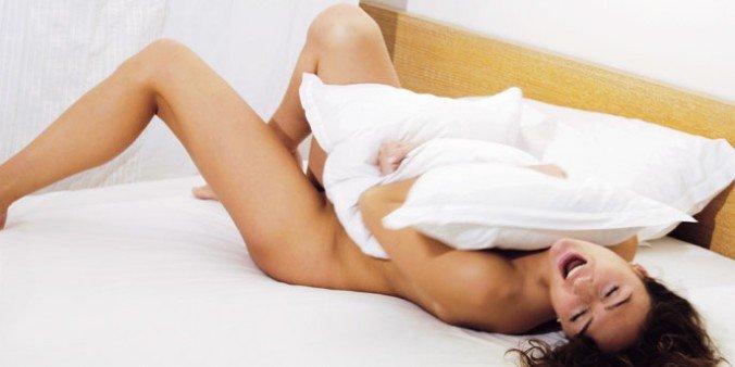 Los 4 beneficios para tu salud si duermes desnudo
