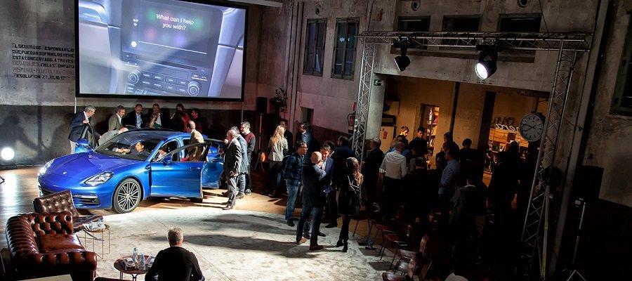 Porsche, Twitter y Spotify: el futuro del coche conectado