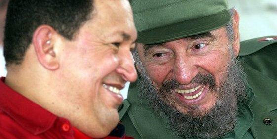 """Hugo Chávez manda desde el infierno un mensaje a Fidel Castro: """"¡Aquí estoy, esperandote!"""""""