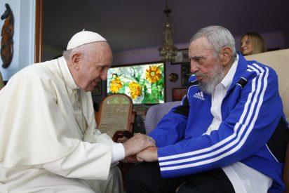 """Para el Papa, la muerte de Fidel Castro es """"una triste noticia"""""""
