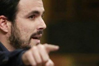 ¿Pero el grupo Prisa no era el enemigo de los podemitas? Pues Alberto Garzón acude a El País a moler a palos a Iñigo Errejón