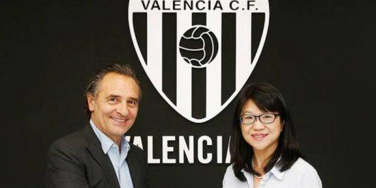 Las tres opciones que maneja el Valencia para reforzar el centro del campo