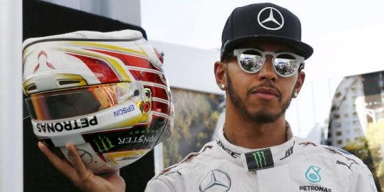 Hamilton supera a Rosberg en el inicio de la batalla final por el Campeonato Mundial de F-1