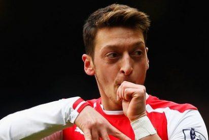 Mourinho va ahora por Mesut Özil