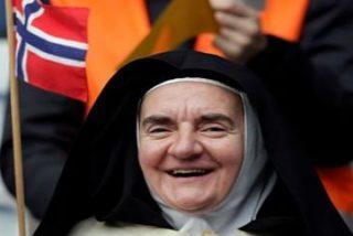 El Papa se despide de Suecia, tras ganar el corazón de los luteranos y enorgullecer a los católicos