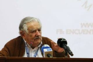"""José Mujica: """"El Papa honra a la humanidad entera"""""""