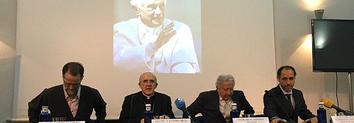 """Osoro: """"Es imposible entender los pontificados de Juan Pablo II y de Francisco, si no encontramos a Benedicto XVI"""""""