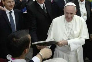Antonio, el sin techo español que habló con el Papa y le regaló un cuadro