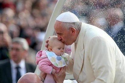 El Papa recuerda a los ultras que la defensa de la vida va más allá de la oposición al aborto
