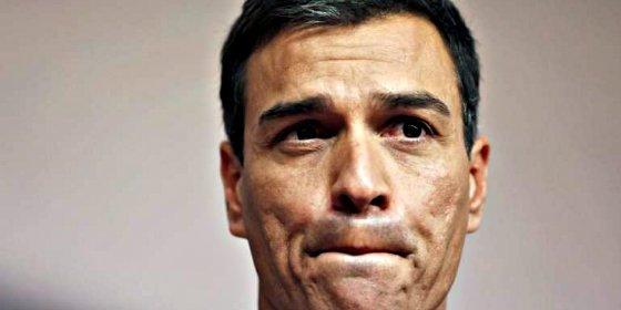 El derribado Pedro Sánchez siembra el pánico en un avión por ser un gafe de altura
