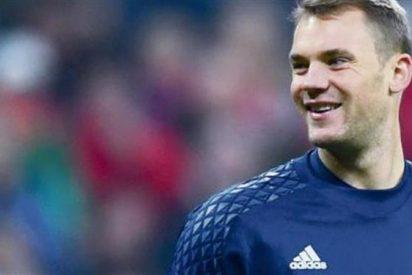 Portero-Jugador: ¿Hay algo que Neuer no pueda hacer con el balón?