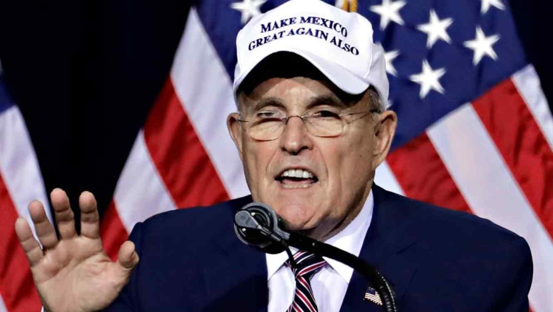 Giuliani, el abogado de Trump, vincula a la empresa española Indra con el 'fraude electoral' en EEUU