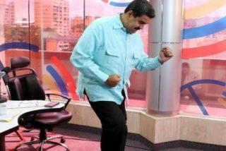 [VÍDEO] Con esta guasa baila Maduro en su programa radiofónico de salsa... para ponerle picante al mal trago