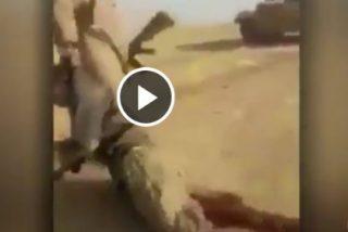 El imberbe terrorista islámico a quien aplastan la cabeza con un tanque