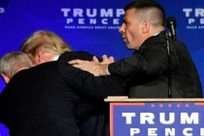 """Así se lleva el Servicio Secreto a Trump tras el grito de """"¡Una pistola!"""""""