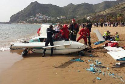 El sorprendente accidente de una avioneta en la playa de Las Teresitas, Tenerife