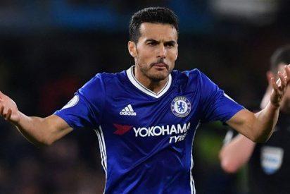 Pedro hace de Diego Costa para mantener la racha del Chelsea