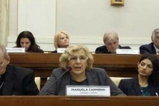 """Carmena y Colau piden en el Vaticano """"soluciones creíbles"""" para los refugiados"""