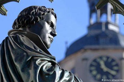 """Berlín muestra los originales de las """"tesis"""" de Martín Lutero"""