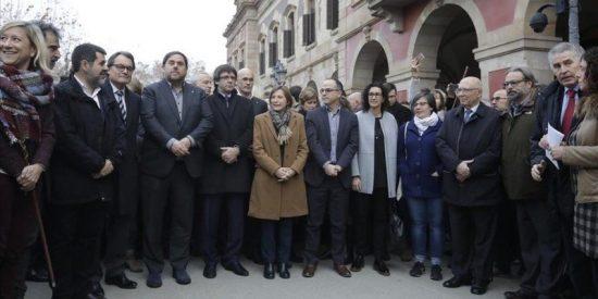 Desconcierto, despelote y ridículo total en Cataluña