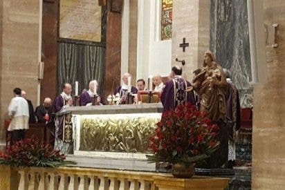 """Fernando Ocáriz destaca el """"corazón grande"""" de Echevarría en su funeral en Roma"""