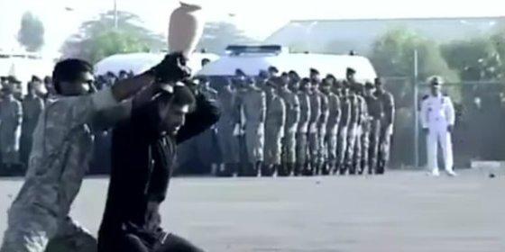Así hacen el ridículo las fuerzas especiales iraníes por chulearse ante los jefes militares