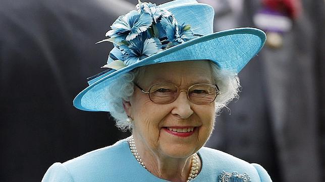 Twitter se traga un fake de la BBC que anunció la muerte de la reina Isabel II de Ingleterra