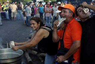 """Obispos de Venezuela contra las medidas de Maduro: """"Han agudizado la crisis que golpea a nuestra nación"""""""