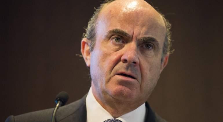 """Luis de Guindos: """"Veo difícil que se pueda cumplir la desinversión en Bankia y BMN en el plazo de un año"""""""