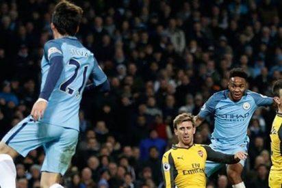 Manchester City hunde más a Arsenal en la Premier League
