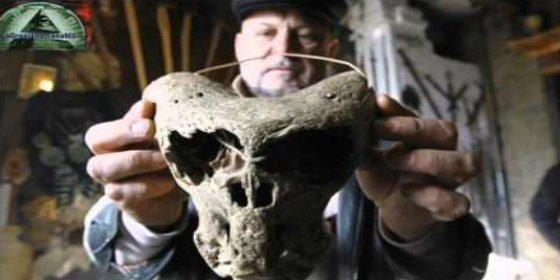 [VÍDEO] El misterioso cofre nazi que contiene cráneos de seres alienígenas