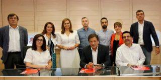 El PSOE se rompe en pedazos entre gritos e insultos a la Gestora