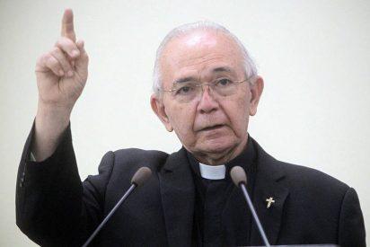 Expulsan a tres sacerdotes salvadoreños acusados de abuso sexual