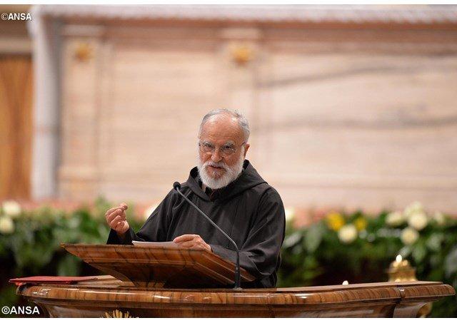 El Espíritu Santo, protagonista de la predicación de Adviento de Cantalamessa