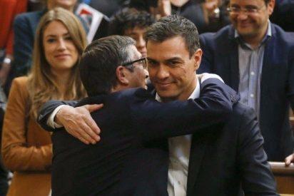 Patxi López alborota el gallinero del PSOE con su puñalada a Pedro Sánchez