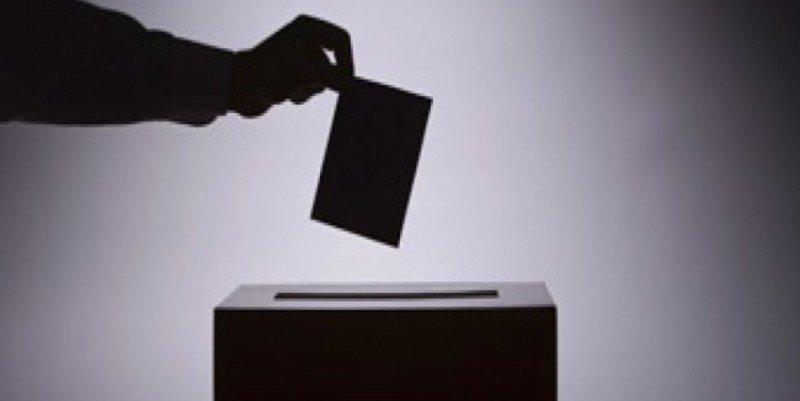 La nueva política, el populismo y morir de referéndum