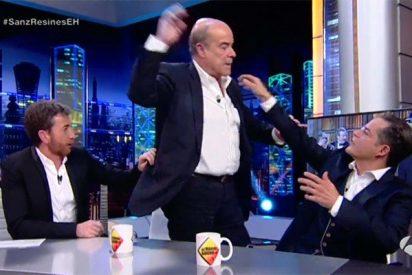 Antonio Resines pega una patada en 'El Hormiguero' y manda a la mierda a Motos