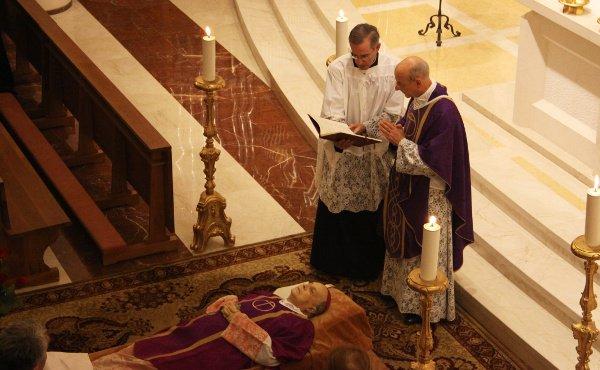 Osoro, Omella y Blázquez lamentan la muerte del prelado del Opus Dei