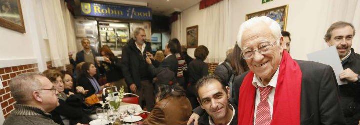 """Restaurantes """"Robin Hood"""": los pobres tienen derecho a cenar caliente, con mantel y cubiertos"""
