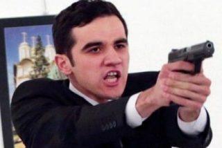 El inédito y estremecedor vídeo de cómo acribilló el policía turco al embajador ruso