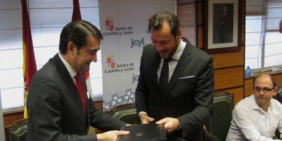 Junta y Ayuntamiento de Valladolid firman un convenio en transporte por carretera