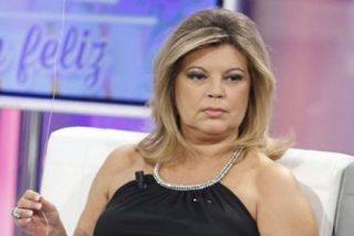 El doble juego de Terelu Campos al descubierto: la insultan sus compañeros mientras ella pasa por caja