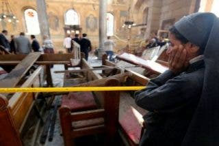La bomba que ha destrozado a 25 fieles en una iglesia de El Cairo