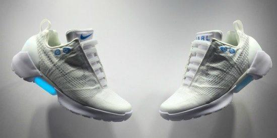 Nike saca unas zapatillas con cordones que se atan solos