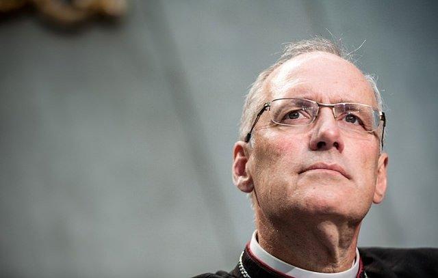 Premian al obispo Durocher por defender el diaconado femenino en el Sínodo