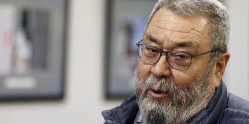 Cándido Méndez, de liderar UGT a repartir desayunos en la parroquia del Padre Ángel