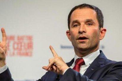 El izquierdista Hamon vence al exprimer ministro Manuel Valls en las primarias socialistas en Francia