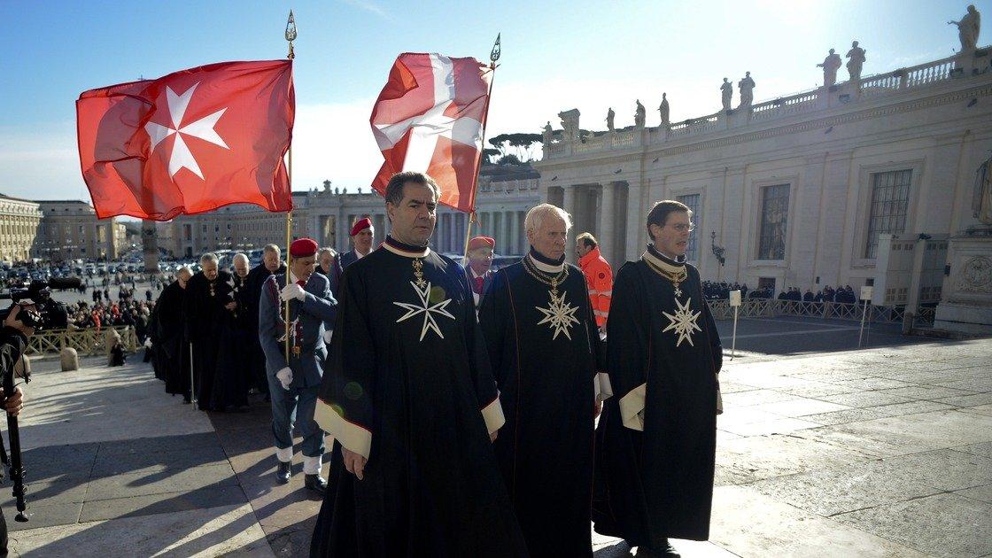 La Santa Sede defiende a la comisión que investiga el cese del Gran Canciller de la Orden de Malta